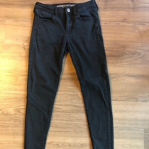 AE BLACK SKINNY JEGGINGS